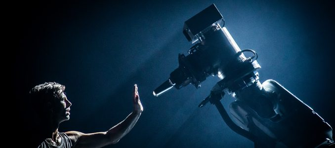 ABB: um dos maiores robots industriais torna-se o novo parceiro de dança de um famoso coreógrafo sueco