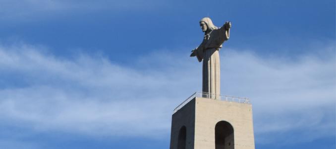 O novo elevador do monumento de Cristo Rei